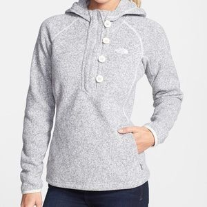 The North Face•Crescent Sunshine Hoodie in Grey